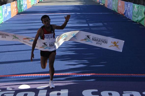 Alemayehu Shumye wins Gold Coast 2012