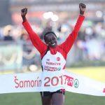 Yasemin Can retains title in Samorin