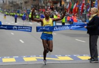 Lelisa Desisa wins Boston Marathon 2015