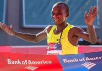 Kipchoge and Jeptoo win in Chicago