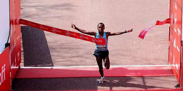 Tsegaye Kebede wins London Marathon 2013