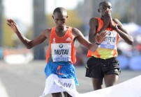 Mutai pips Kimetto in Berlin