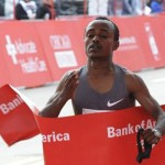 Kebede wins Chicago Marathon 2012