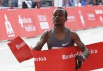 Tsegaye Kebede wins Chicago Marathon 2012