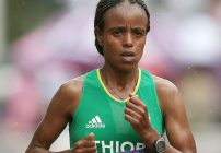 Mare Dibaba awarded Chicago Marathon 2014 title