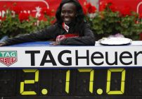 Mary Keitany sets Women's only World Record