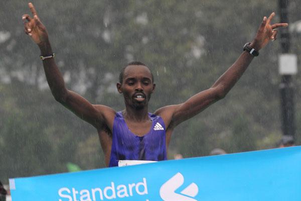 Kiprotich Mutai wins Hong Kong Marathon