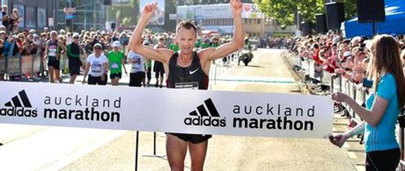 Dale Warrander wins Auckland Marathon 2011