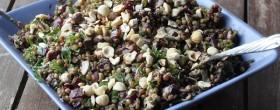 Linssi-punajuuri-hasselpähkinäsalaatti